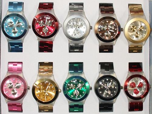8a31b3e33dfae Relógio Senhora Bracelete Imitação Metal - Produtos » Relógios ...
